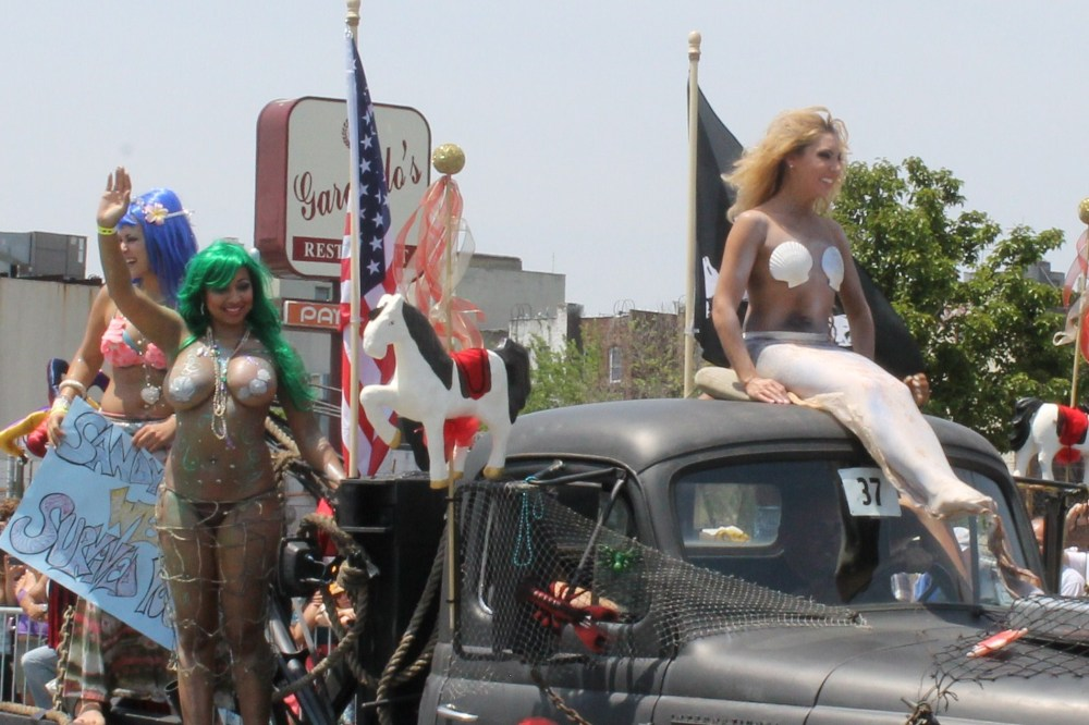 Seashells Abundant at the Mermaid Parade (3/6)