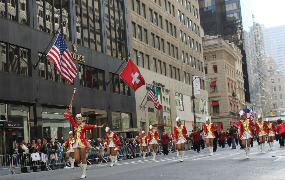 Italians Rev Up Their Hot Cars for Columbus Day (3/6)