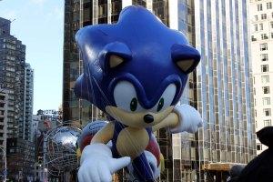 Sonic racing towards the finish line