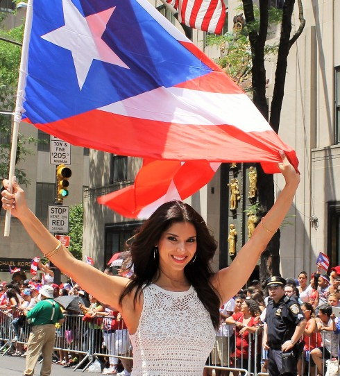 Parade Queen Roselyn Sanchez